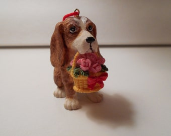 Vintage Resin Beagle Figurine with Flowers, Small Beagle Ornament, Beagle Collectible