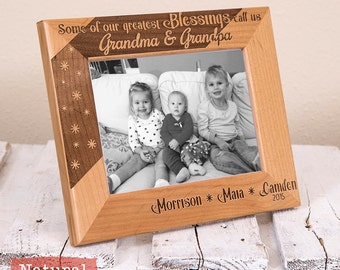 Personalized Frame for Grandma, Personalized Mothers Day Gifts for Her - Personalized Grandparents Picture Frame - Mothers Day Gifts