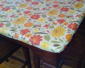 Laminated fabric fitted tablecloth