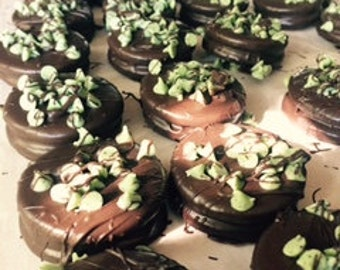 Mint Chocolate Covered Dipped Oreo Cookies, Mint Cookies, Chocolate Mint Desserts, Mint Party Favors