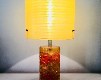 Orange Shattaline Shatterline crushed ice table lamp - Mid Century 70s resin lamp with fibreglass shade
