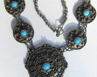 Vintage Silver Medallion Wire Work Disk Necklace with Faux Turquoise   0643