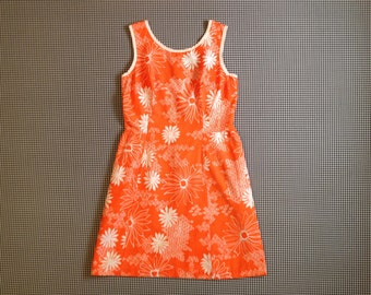 1960's, summer dress, in orange, with white daisy print, Women's size Large