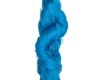 Milk-Bamboo Yarn - DK/Sock Weight in Zircon