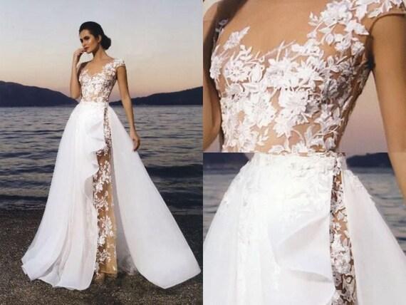 Neras Nuage Volant Sheath Lace Wedding Dress/ Detachable