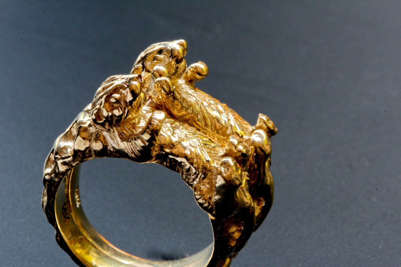 Gold Otter Ring Otters holding hands rings in solid gold Blue