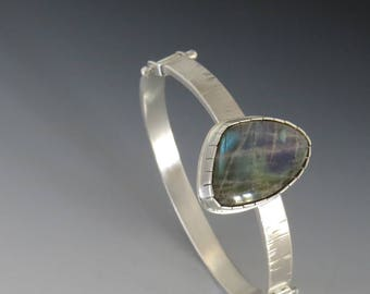 Hinged Cuff with  Spectrolite