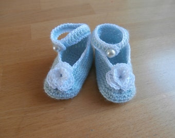 Crocheted baby booties - light blue- flower