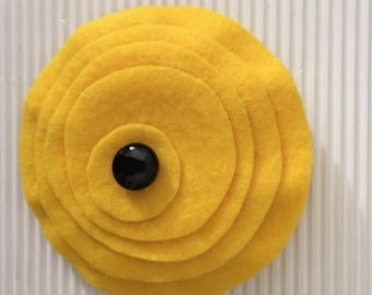 brooch in thin yellow felt