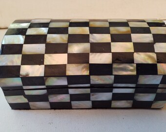 Abalone? checkered box