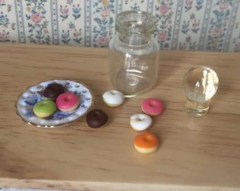 Miniature Donuts in Glass Jar, Dollhouse Miniature, 1:12 Scale, Dollhouse Food, Mini Donuts, Miniature Food, Play Food, Dollhouse Kitchen