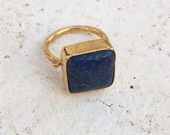 Lapis Lazuli Ring Gold, Square Gemstone Ring, September Birthstone Ring, Blue Stone Ring, Stackable Ring, Statement Ring, Gift for Her