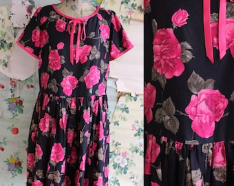 Vintage 1950s Satin Pink Rose Black Rayon Babydoll Dress. Large. Bow detail.