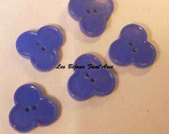 Set of 5 handmade polymer blue 18mm clover buttons