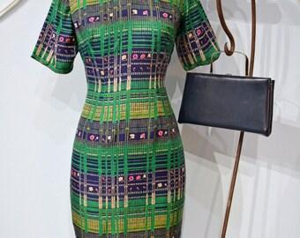Vintage 1960s Silk Print Cheongsam. Wiggle Dress, Mad Men, Bombshell, Vogue, mod, mid century