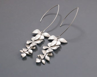 Silver Orchid flower Earrings. Gold Orchid flower Earrings.  Bridal Jewelry. Bridesmaid Earrings.Everyday Earrings.Gift for Her