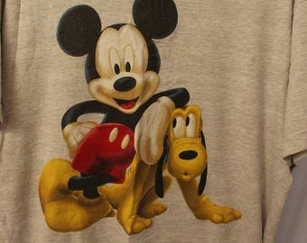 Vintage 90s Mickey Mouse / Pluto Tee - Extended L