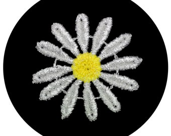 Daisy Flower Venice Lace Applique Patch Off-White Petals Yellow Center Floral Sewing Notions Craft Scrapbooking Supplies Decoration BB017P
