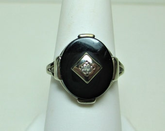 10K White Gold Vintage Ladies Black Onyx & Diamond Ring - Size 6 - hm Campus #4938
