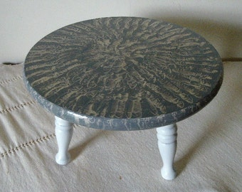 Footstool vinegar painted in gray and white