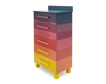 Dresser with nine colours