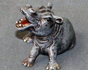 "INCREDIBLY DETAILED HIPPOPOTAMUS ""Hippo Baby"" Figurine Statue Sculpture Art / Limited Edition / Signed & Numbered"