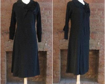 1930s black wool crepe and velvet dress • Mary & Agnes