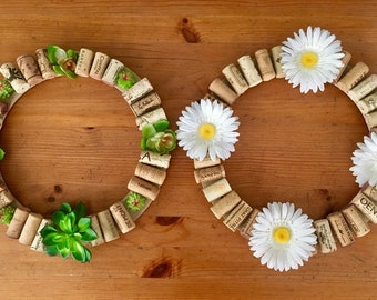 Wreath, succulents, corks, wine corks, daisies, white, green, desert plants, door, door decor, art by carole, art by carole store, summer