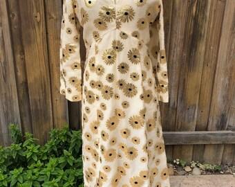 1970s golden daisy dress