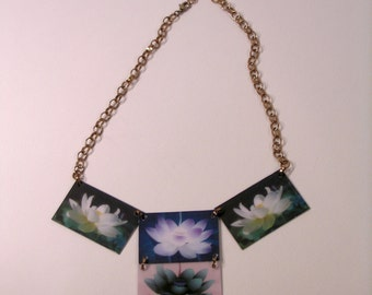 Round Necklace Lotus