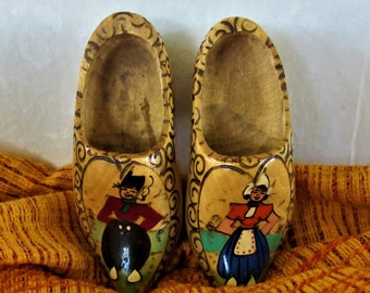 Wooden shoes Holland Dutch boy and girl vintage hand carved