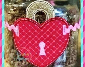 Heart Lock In the Hoop Pillow Charm Label or Banner ITH (In The Hoop) Machine Embroidery Applique Design 4 sizes, heart lock applique