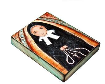 Saint Bernadette Nun - Giclée-Druck auf Holz (4 x 5 inch) Volkskunst von FLOR LARIOS aufgezogen