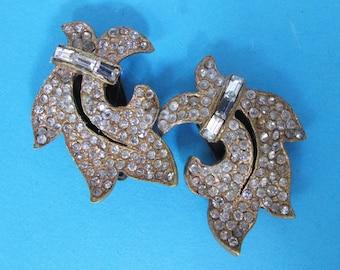 Splendid Art Deco Pair of Clear Diamente Dress Clps