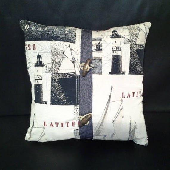 coussin tissu style marin des phares et voiliers avec 2. Black Bedroom Furniture Sets. Home Design Ideas