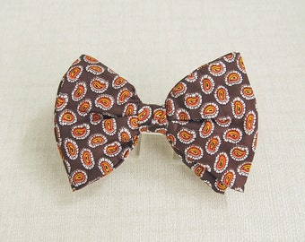 1970s Vintage MOD Beau Brummel PAISLEY BUTTERFLY Style Clip On Bow Tie