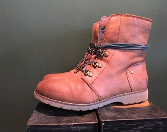 FREE SHIPPING North Face Boots
