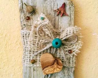 Wall of beach wood, driftwood, alluvial wood