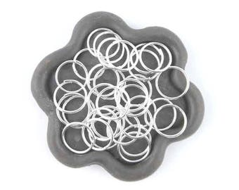 x 100 (07th) 10mm silver plated open jump ring