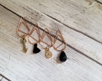 Black and Gold paper clips