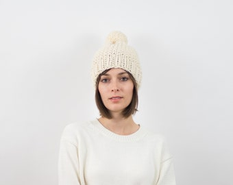 Chunky Knit Pom-Pom Hat, Wool Blend | THE MARSEILLE in Snow