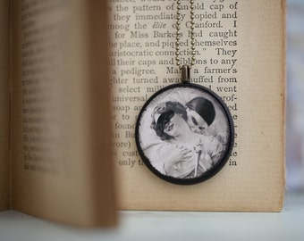Valentine Lovers, The Kiss Pendant, Black and Cream Distressed Necklace