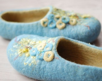 Felted slippers, home shoes, wool clogs, blue slippers in blue & yellow size 37, US 6, UK4 Ready to ship