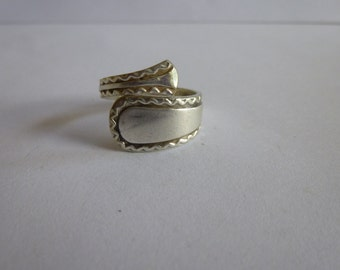 Pretty Vintage Spiral Silver Spoon Ring, UK size M, Silver Ring
