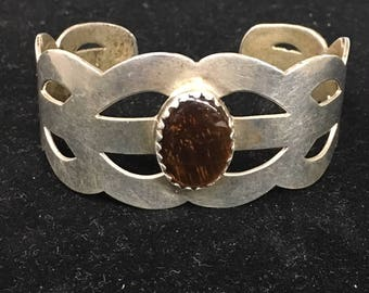 Beautiful Vintage Mexican Sterling Silver cuff Bracelet from the 1960s