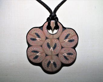 Necklace with six petals
