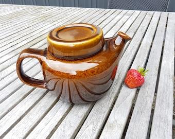 Arabia teapot. Arabia of Finland Ulla Procope tea pot 60's. Midcentury modern. Brownish tea pot.