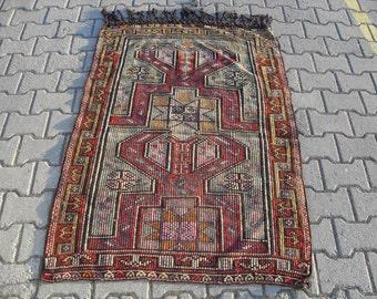 kilim rug free shipping VINTAGE TURKİSH balıkesir kilim Anatolian handwoven kilim decorative kilim - SİZE : 40'' X 58'' ( 100 cm X 147 cm)