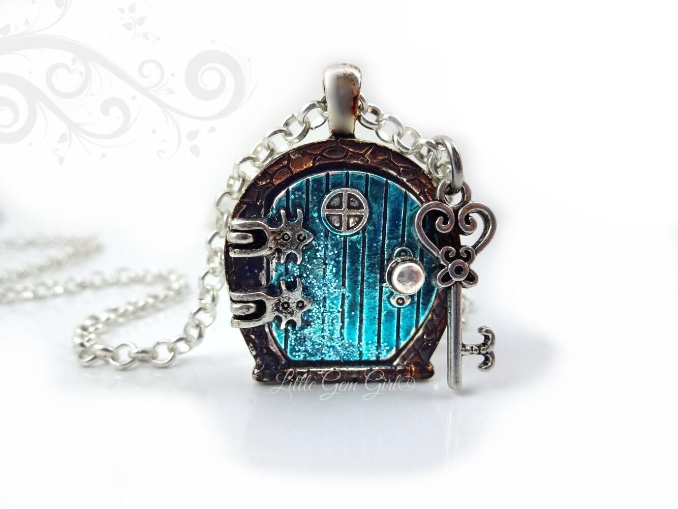 🔎zoom  sc 1 st  Etsy & Fairy Door Locket Necklace Alice in Wonderland Door Charm