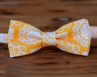 Mens orange bow tie, mens orange wedding bow tie, orange wedding tie, orange white floral bow tie, pretied, spring wedding, summer tie, gift